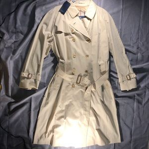 Classic VTG Burberry Honey Nova Check Trench Coat